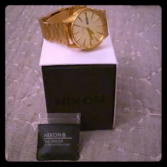 Nixon Other - Nixon sentry SS gold
